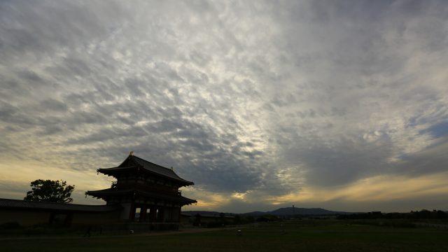鰯雲と朱雀門