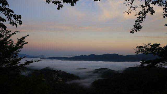 吉野山からの朝景